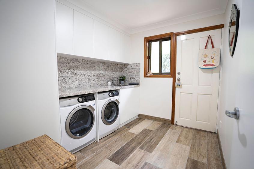 laundry-cabinet-maker